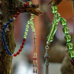 Sertifikalı Üç Renk Karayip+Safir+Kızıl Kehribar Tesbih