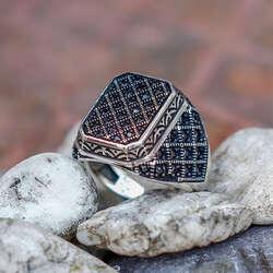 Zirkon Taş Tasarımlı 925 Ayar Gümüş Yüzük